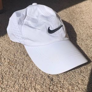 White Nike Golf Hat